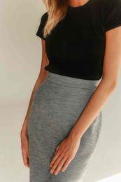 púzdrová sukňa sivá